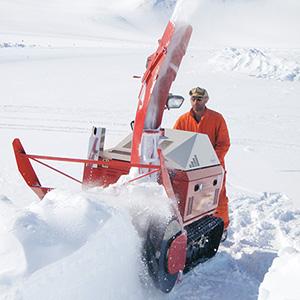 同社の除雪機は2007年にフィンランド・サンタクロース村公認除雪機に認定された