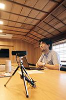 テレビ会議室