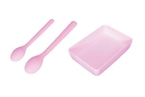 株式会社コンヨ スプーンセットや小皿も商品化