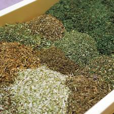 Brillian[さどのめぐみっ茶] 佐渡に自生する1,100種類以上の野草から30~40種類を厳選してブレンド