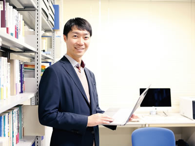 新潟大学 経済学部 准教授 伊藤 龍史 氏