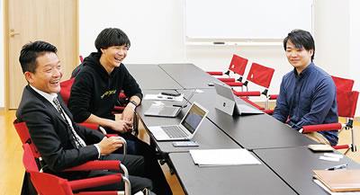 株式会社スナップ新潟 ㈱Ripariaを起業した新潟大学院生の室田さん(写真中央)、小林さん(写真右)