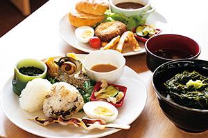 有限会社尖閣湾揚島観光 おすすめの料理を集めたプレート料理